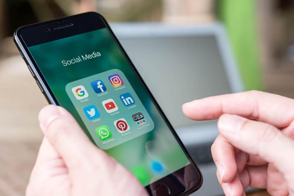 פעילות עסקית ברשתות החברתיות